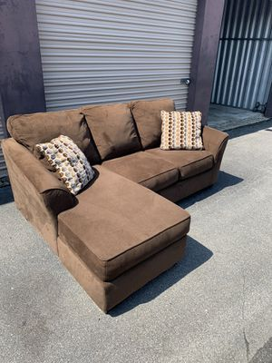Like New Reversible Chaise Sectional - Local Delivery Available for Sale in Virginia Beach, VA