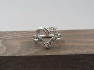 Size 7 Sterling Silver Genuine Diamond Heart Band Ring Vintage Statement Engagement Wedding Promise Anniversary Cocktail Cute Cool for Sale in Everett, WA