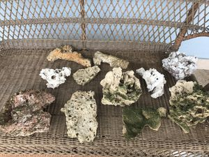 Aquarium rocks for fishtank for Sale in Miami, FL