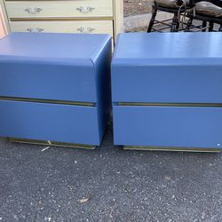 Nice Set Of Lane Two Drawer Nightstands - Delivery Available for Sale in Tacoma,  WA