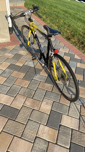 GMC Denali Road Bike 56cm for Sale in Marlborough, MA