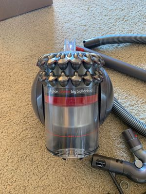 Dyson Cinetic Big Ball Animal vacuum for Sale in Los Angeles, CA
