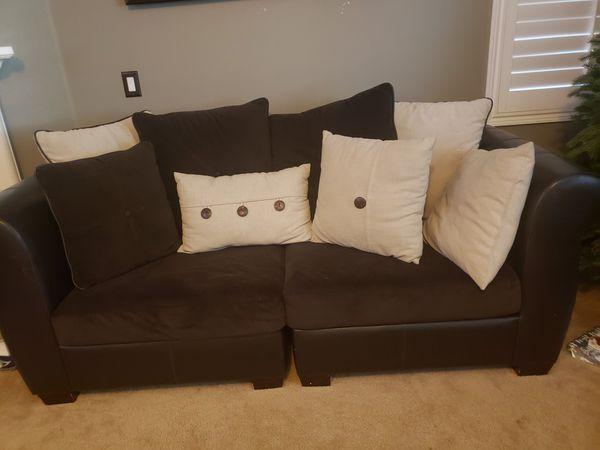 ...GREAT PRICE.. 5 piece sectional couch