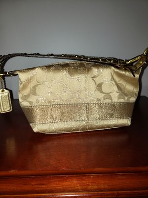 Coach woman purse for Sale in Darien, IL