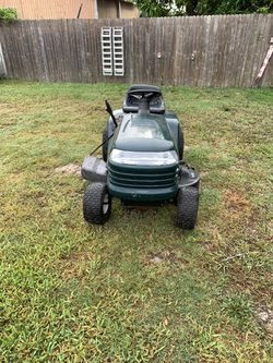 Craftsman riding lawn tractor LT 1000 for Sale in Winter Haven,  FL