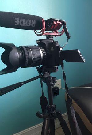 Canon camera DSLR EOS 60D for Sale in Miami, FL