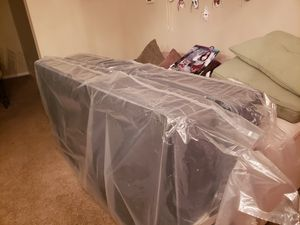 Twin beds with box spring and mattress for Sale in Reynoldsburg, OH