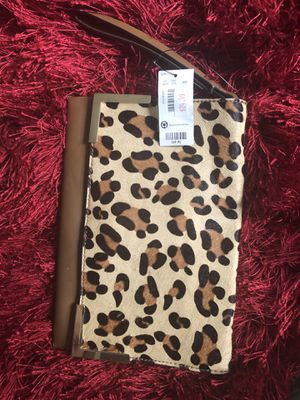 Wristlet never been used $25.00 for Sale in Windsor, ON