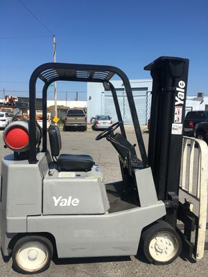 Yale forklift 3000lbs SIDE SHIFT for Sale in Las Vegas, NV