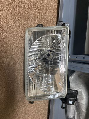 Left headlight toyota for Sale in Des Plaines, IL
