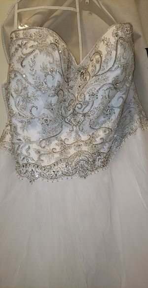 Wedding dress for Sale in Middle River, MD