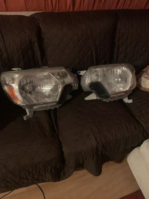 Toyota Tacoma 2005-2015 headlights, GREAT SHAPE! for Sale in Miami, FL