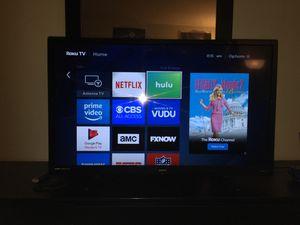 roku Smart Tv 32 Inch for Sale in Lanham, MD