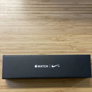 Nike Apple Watch Series 4 44MM for Sale in Puyallup, WA