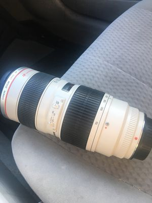 Canon EF 70-200mm f/2.8L USM Telephoto Zoom Lens for Canon SLR Cameras for Sale in Laurel, MD