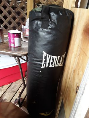 Everlast punching bag for Sale in Columbus, OH