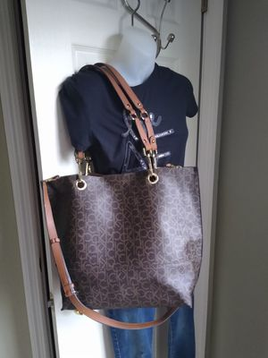 Calvin Klein XL Tote and Coin purse (Offer) for Sale in Lakeland, FL