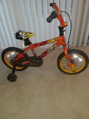 Kid's Bike with removable training wheels for Sale in Suitland, MD
