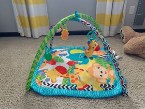 Baby play mat with hanging toys for Sale in Arlington, WA