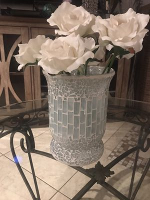 Home decor mosaic vase 8in T 17 in d(flowers not included) for Sale in Glendale, AZ