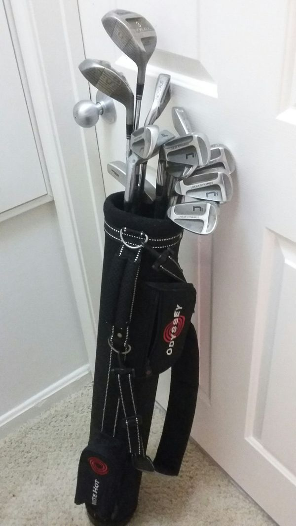NICE NICKLAUS GOLF CLUB SET AND BAG EXCELLENT CONDITION