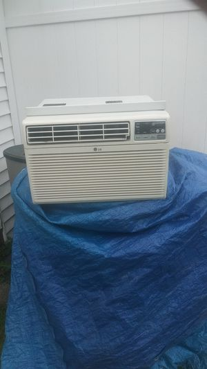 8000 BTU air conditioner LG for Sale in Parma, OH