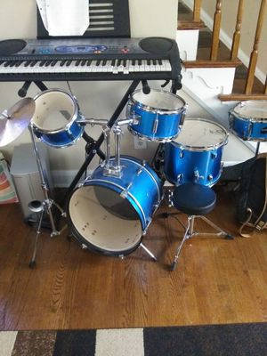 Drum set like new for Sale in Parkville, MD
