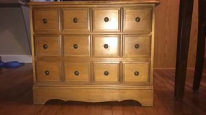 Little night stand for Sale in Joliet, IL