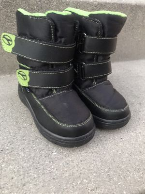 Kids snow boots - SIZE 7 for Sale in Lynwood, CA