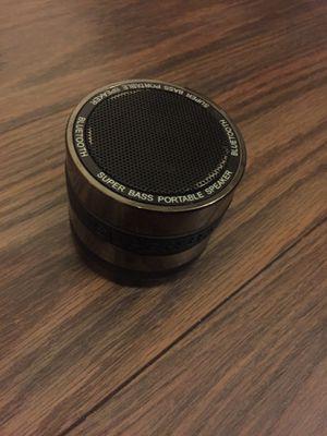 Bocina pequeña Bluetooth y tarjeta SD for Sale in Las Vegas, NV