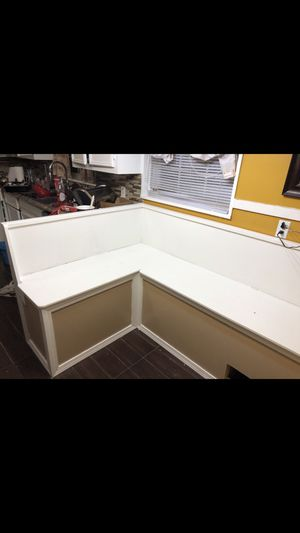 L shape breakfast nook with storage for Sale in Durant, MS