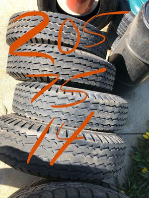205 75 14 Carlisle trailer tires set of four for Sale in Cleveland, OH