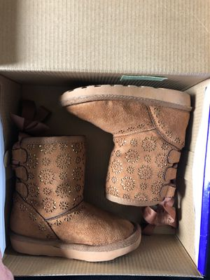 Toddler girl boots for Sale in Perris, CA