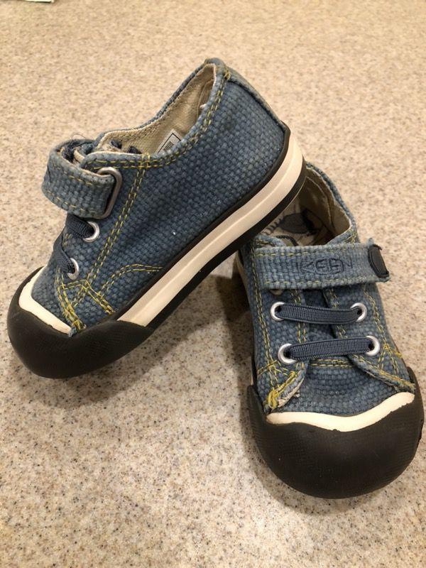 98de337d6d Keen little kids size 5 EUC Coronado sneakers