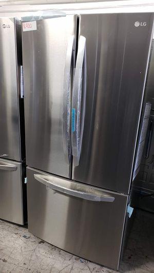 NEW LG FRIDGE 33 in. 25 cu. ft. 3-Door French Door Refrigerator for Sale in Stanton, CA
