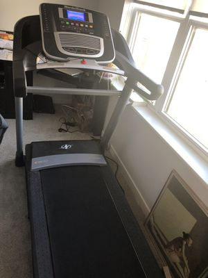 NordicTrack Treadmill C800 2.75 CHP for Sale in Columbus, OH