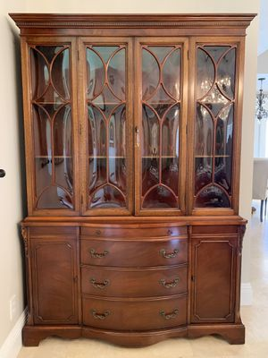 Antique China cabinet for Sale in Boca Raton, FL