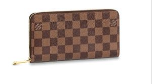 Louis Vuitton wallet for Sale in Beaumont, TX