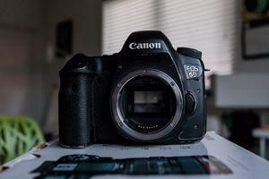 Canon EOS 6D WG Body (READ DESCRIPTION) for Sale in Miami Beach, FL
