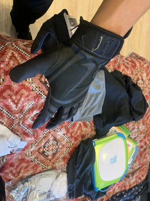 Nike Huarache Baseball Batting Gloves Adult L for Sale in Upland, CA
