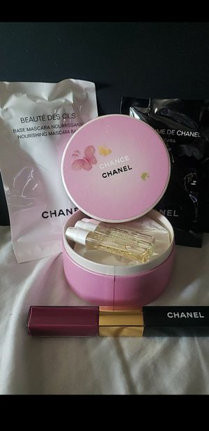 New Chanel lipstick gift set for Sale in South Gate, CA