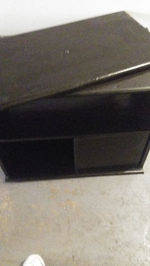 Tv stand with swival top for Sale in Lakewood, CO