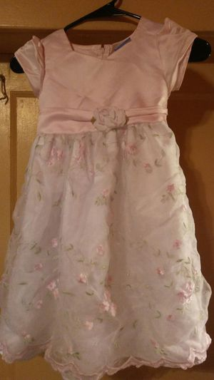 Pink&white with flowers girls dress size 6x for Sale in Columbus, OH