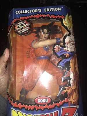 Dragonball Z Goku for Sale in Bloomington, CA