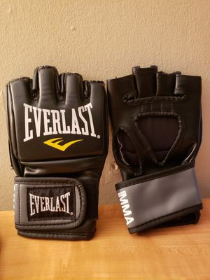 Ufc boxing gloves for Sale in Bronx, NY