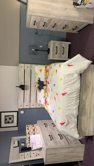 Cambeck Whitewas Youth Bedroom Set for Sale in Hyattsville, MD