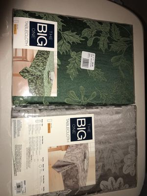 🎄🎁 TABLECLOTHS BRAN NEW $10 EACH 🎄🎁 for Sale in Lynwood, CA