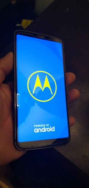 Moto z3 forcé unlocked for Sale in Los Angeles, CA