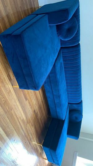 NEW SECTIONAL Graham Velvet Navy Double Chaise Sectional for Sale in Jessup, MD