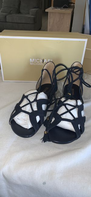 Suede Michael kors black sandal size 9.5 for Sale in Apple Valley, CA